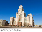 Купить «Сталинская высотка  у Красных ворот», фото № 7126666, снято 15 марта 2015 г. (c) Наталья Волкова / Фотобанк Лори