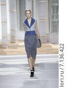 Купить «NEW YORK, NY - FEBRUARY 18: A model walks the runway at the Boss Womens fashion show during Mercedes-Benz Fashion Week Fall on February 18, 2015 in NYC.», фото № 7136422, снято 18 февраля 2015 г. (c) Anton Oparin / Фотобанк Лори