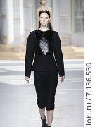 Купить «NEW YORK, NY - FEBRUARY 18: A model walks the runway at the Boss Womens fashion show during Mercedes-Benz Fashion Week Fall on February 18, 2015 in NYC.», фото № 7136530, снято 18 февраля 2015 г. (c) Anton Oparin / Фотобанк Лори