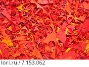 Купить «Красный бумажный фон, обрезки цветной бумаги», фото № 7153062, снято 8 февраля 2015 г. (c) Влад  Плотников / Фотобанк Лори