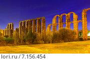 Купить «Roman Aqueduct of Merida in evening», фото № 7156454, снято 18 ноября 2014 г. (c) Яков Филимонов / Фотобанк Лори