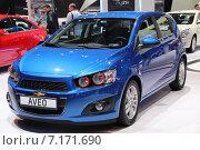 Купить «Автомобиль Chevrolet aveo хетчбек», фото № 7171690, снято 3 сентября 2014 г. (c) Владимир Тучин / Фотобанк Лори