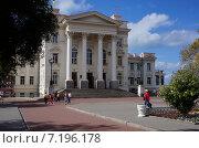 Дом Офицеров в Севастополе (2013 год). Редакционное фото, фотограф Шайкина Наталья / Фотобанк Лори