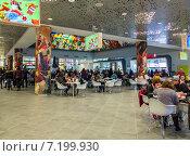 Купить «Интерьер верхнего этажа Центрального детского магазина (Детского Мира)», эксклюзивное фото № 7199930, снято 31 марта 2015 г. (c) Константин Косов / Фотобанк Лори