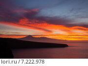 Купить «Рассвет над Тейде, Тенерифе», фото № 7222978, снято 31 марта 2015 г. (c) Tamara Kulikova / Фотобанк Лори