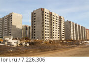 Купить «Строительство нового микрорайона из панельных домов», фото № 7226306, снято 19 июля 2019 г. (c) Светлана Кузнецова / Фотобанк Лори
