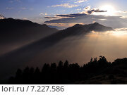 Купить «Nepal, Ghorepani, Poon Hill, Dhaulagiri massif, Himalaya, Sunrise view from Poon Hill, Dhaulagiri massif, Himalaya», фото № 7227586, снято 20 июля 2019 г. (c) BE&W Photo / Фотобанк Лори