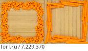 Рамки из кусочков тыквы на деревянном фоне. Стоковое фото, фотограф Marina Kutukova / Фотобанк Лори