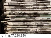 Стопка старых газет. Стоковое фото, фотограф Валерий Бочкарев / Фотобанк Лори