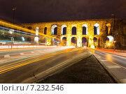 Купить «Акведук Валента ночью в Стамбуле», фото № 7232546, снято 22 февраля 2015 г. (c) Андрей Родионов / Фотобанк Лори