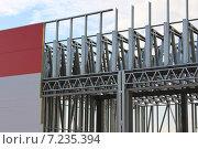 Купить «Каркасное строительство промышленного здания», фото № 7235394, снято 30 ноября 2013 г. (c) Елена Осетрова / Фотобанк Лори