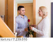 man and woman standing at doorway. Стоковое фото, фотограф Яков Филимонов / Фотобанк Лори