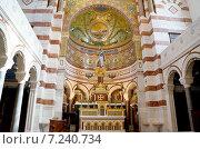 Католический храм в Марселе (2012 год). Стоковое фото, фотограф Евгений Рыжков / Фотобанк Лори