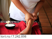 Купить «Массаж ног», фото № 7242898, снято 10 июля 2010 г. (c) Морозова Татьяна / Фотобанк Лори