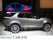 Купить «LAND ROVER DISCOVERY VISION на автосалоне в Москве», фото № 7246918, снято 3 сентября 2014 г. (c) Владимир Тучин / Фотобанк Лори