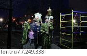 Купить «Пасхальный крестный ход. Храм святого великомученика Феодора Тирона. Москва», эксклюзивный видеоролик № 7249338, снято 11 апреля 2015 г. (c) Сергей Соболев / Фотобанк Лори