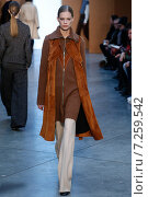 NEW YORK, NY - FEBRUARY 15: Model Lexi Boling walk the runway at the Derek Lam Fashion Show during MBFW Fall 2015 at Pace Gallery on February 15, 2015 in NYC. Редакционное фото, фотограф Anton Oparin / Фотобанк Лори