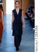 Купить «NEW YORK, NY - FEBRUARY 15: Model Ronja Furrer walk the runway at the Derek Lam Fashion Show during MBFW Fall 2015 at Pace Gallery on February 15, 2015 in NYC», фото № 7259554, снято 15 февраля 2015 г. (c) Anton Oparin / Фотобанк Лори