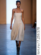 NEW YORK, NY - FEBRUARY 15: Model Ysaunny Brito walk the runway at the Derek Lam Fashion Show during MBFW Fall 2015 at Pace Gallery on February 15, 2015 in NYC. Редакционное фото, фотограф Anton Oparin / Фотобанк Лори