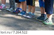 Дети стоят в строю на соревнованиях. Стоковое фото, фотограф Мячикова Наталья / Фотобанк Лори