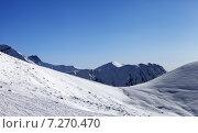 Купить «Заснеженный горный склон в солнечный день», фото № 7270470, снято 27 февраля 2013 г. (c) Анна Полторацкая / Фотобанк Лори