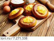 Купить «Ватрушки с картофелем», фото № 7271338, снято 16 апреля 2015 г. (c) Надежда Мишкова / Фотобанк Лори