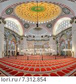 Купить «Интерьер мечети Сулеймание в Стамбуле, Турция», фото № 7312854, снято 4 апреля 2011 г. (c) Михаил Марковский / Фотобанк Лори