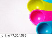 Купить «Цветные пластиковые мерные ложки», фото № 7324586, снято 20 апреля 2015 г. (c) Владислав Осипов / Фотобанк Лори