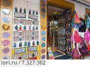 Sale of tourist souvenirs in Cordoba (2014 год). Стоковое фото, фотограф Яков Филимонов / Фотобанк Лори