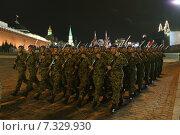 Купить «Репетиция Парада Победы. Военнослужащие Сербии», фото № 7329930, снято 29 апреля 2015 г. (c) Matwey / Фотобанк Лори