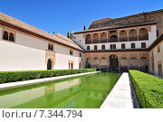 Spain, Andalusia, Granada, the Alhambra, classified as World Heritage by UNESCO, Patio de los Arrayanes (Court of the Myrtles) Стоковое фото, агентство BE&W Photo / Фотобанк Лори