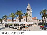Croatia, Trogir, Main seafront promenade and restaurant, Trogir, Dalmatia. Редакционное фото, агентство BE&W Photo / Фотобанк Лори