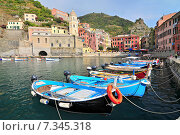 Купить «The View Of Vernazza Of Cinque Terre From Harbour», фото № 7345318, снято 22 августа 2019 г. (c) BE&W Photo / Фотобанк Лори