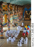 Купить «Vietnam, Cantho Prov, Mekong Delta, , Noontime Prayer and Ceremony at Cao Dai Temple», фото № 7345454, снято 23 сентября 2018 г. (c) BE&W Photo / Фотобанк Лори