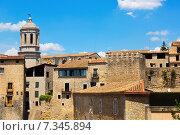 Купить «view of Girona with bell tower of Gothic Cathedral», фото № 7345894, снято 12 июня 2014 г. (c) Яков Филимонов / Фотобанк Лори