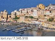 Купить «The town of Castellammare del Golfo in the province of Trapani in Sicily Italy», фото № 7345918, снято 22 апреля 2019 г. (c) BE&W Photo / Фотобанк Лори