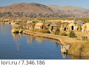 Купить «peru - the uros islands in lake titicaca puno, peru and bolivia.Peru, South America, Titicaca Lake, Uros Indian, Uros Ayamaras, Floating Island», фото № 7346186, снято 19 мая 2020 г. (c) BE&W Photo / Фотобанк Лори