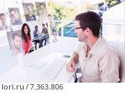 Купить «Composite image of smiling designer using tablet», фото № 7363806, снято 21 марта 2019 г. (c) Wavebreak Media / Фотобанк Лори