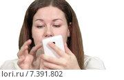 Купить «Крупный план женщины работающей с тачскрином большого мобильного телефона, белый изолированный фон», видеоролик № 7391802, снято 5 марта 2015 г. (c) Кекяляйнен Андрей / Фотобанк Лори