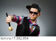 Купить «Funny man singing in karaoke», фото № 7392954, снято 4 марта 2015 г. (c) Elnur / Фотобанк Лори