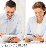Купить «business team working with tablet pcs in office», фото № 7398314, снято 9 июня 2013 г. (c) Syda Productions / Фотобанк Лори