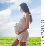Купить «happy pregnant woman in chemise», фото № 7399178, снято 10 февраля 2015 г. (c) Syda Productions / Фотобанк Лори