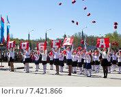 Выступления детей, посвященное празднику День Победы 9 мая 2015 года. Редакционное фото, фотограф Мячикова Наталья / Фотобанк Лори