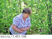 У пожилой женщины болит живот. Стоковое фото, фотограф Володина Ольга / Фотобанк Лори