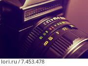 Купить «Старая фотокамера с объективом», фото № 7453478, снято 18 мая 2015 г. (c) Владислав Осипов / Фотобанк Лори