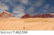 Долина Луны, в южной части Иордании, 60 км к востоку от Акабы (2015 год). Стоковое видео, видеограф Владимир Журавлев / Фотобанк Лори