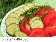 Купить «Салат из свежих помидоров и огурцов», эксклюзивное фото № 7484586, снято 26 мая 2015 г. (c) Яна Королёва / Фотобанк Лори