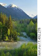 Купить «Вечер в долине кавказских гор весной», фото № 7492278, снято 21 мая 2015 г. (c) александр жарников / Фотобанк Лори