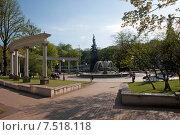 Купить «Калининград. Городской сквер», эксклюзивное фото № 7518118, снято 7 мая 2015 г. (c) Svet / Фотобанк Лори