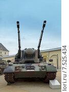 Купить «Немецкая зенитная самоходная установка 1 А2 Gepard,  «Flugabwehrkanonenpanzer Gepard» (Танк ПВО Гепард)», фото № 7525434, снято 3 мая 2015 г. (c) Анна Мишина / Фотобанк Лори